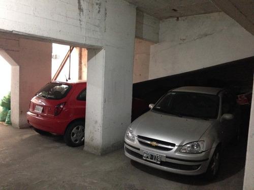cochera para auto chico/mediano. zona san juan.