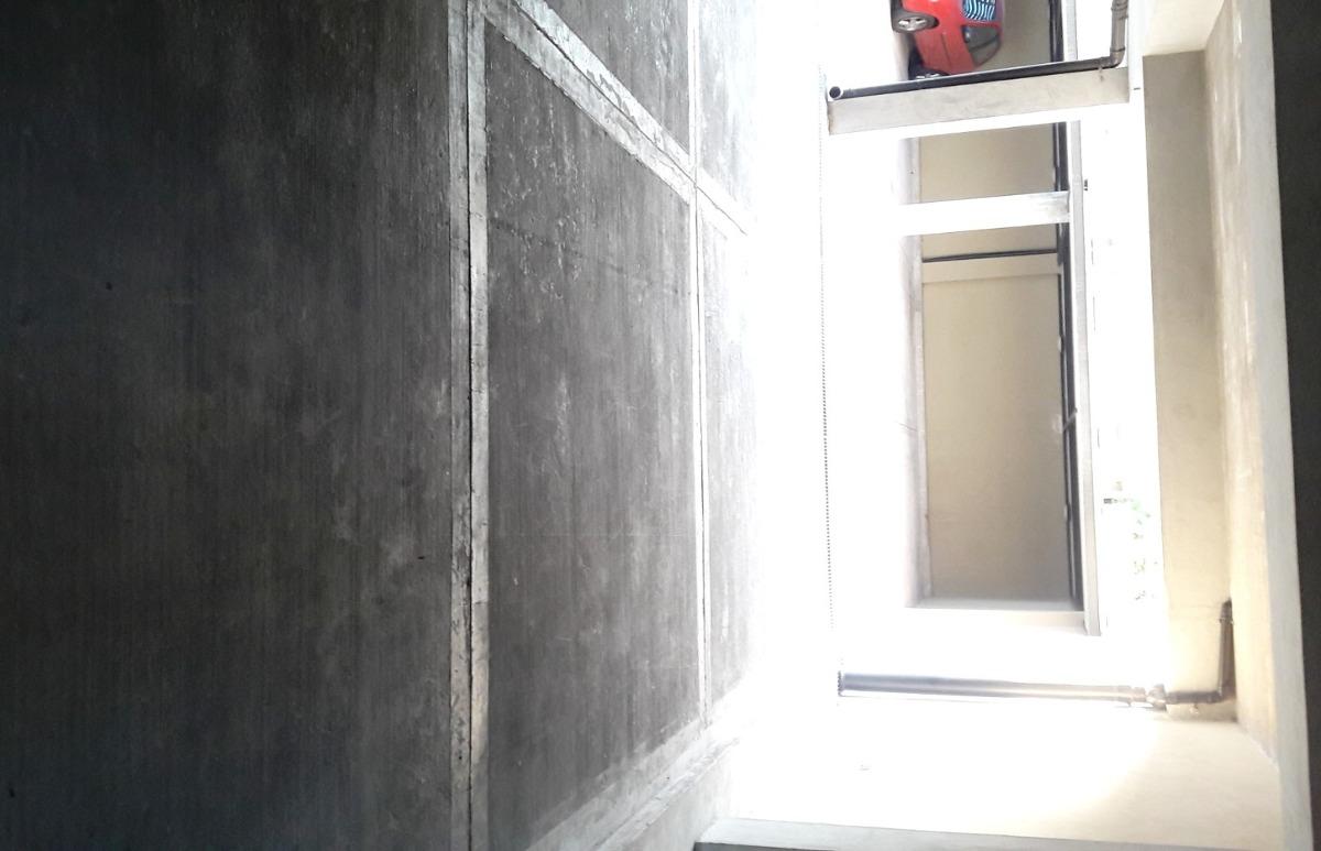 cochera semicubierta en edificio con portón automat 2,5 x 5
