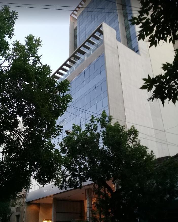 cochera subterránea-hotel land- la plata