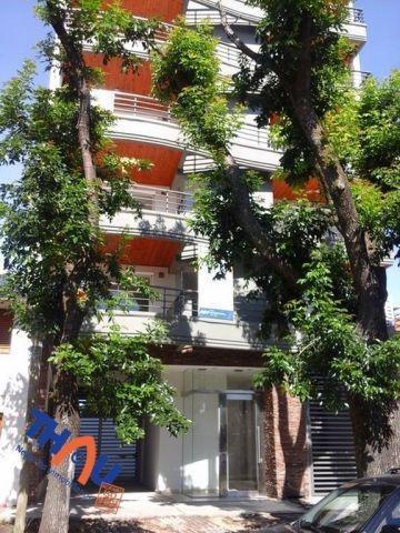 cochera/espacio de estacionamiento denominado nº 6 sin techo en edificio boulevard land.
