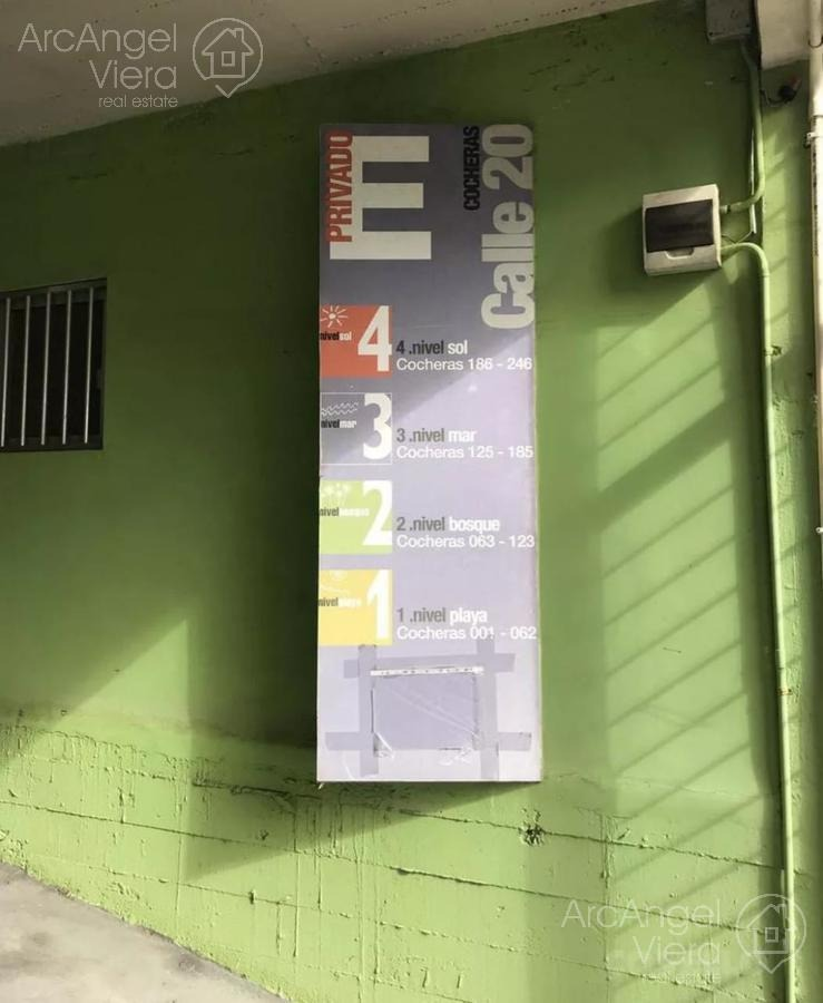 cocheras en venta en centro punta del este -península