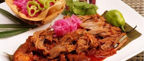 cochinita pibil  original  kilo con tortillas cebollas salsa