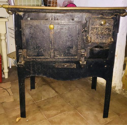 cocina económica antigua a restaurar