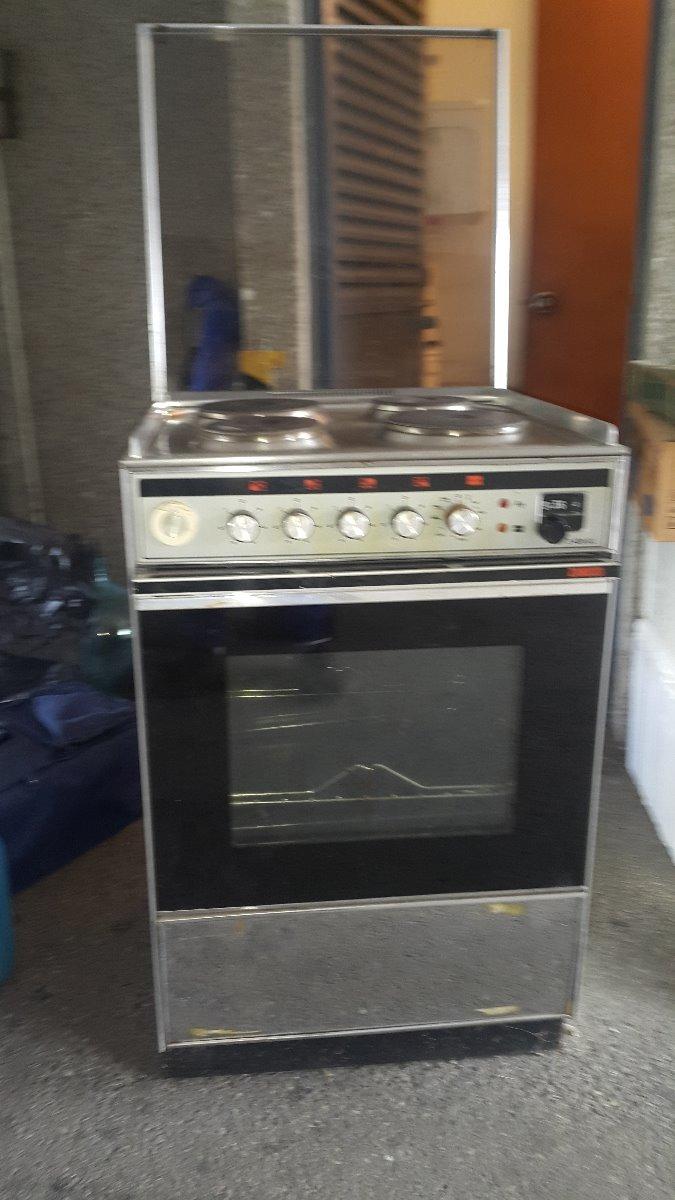 Cocina Electrica 4 Hornillas Con Horno Usada Bs 8 050 000 00 En
