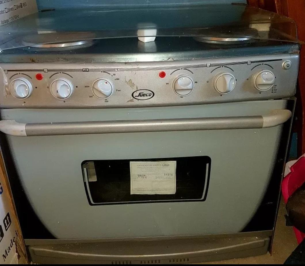 Cocina Electrica De 4 Hornillas Con Horno Marca Sueco Bs 0 01