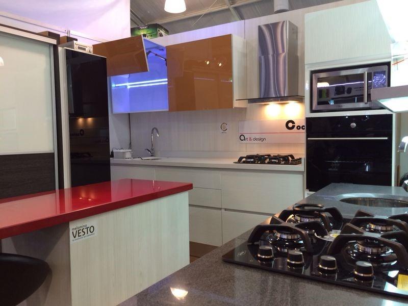 Cocina integral moderna minimalista en for Precios de cocinas integrales en bogota colombia