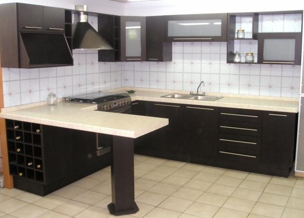cocina minimalista en color chocolate - Cocina Minimalista