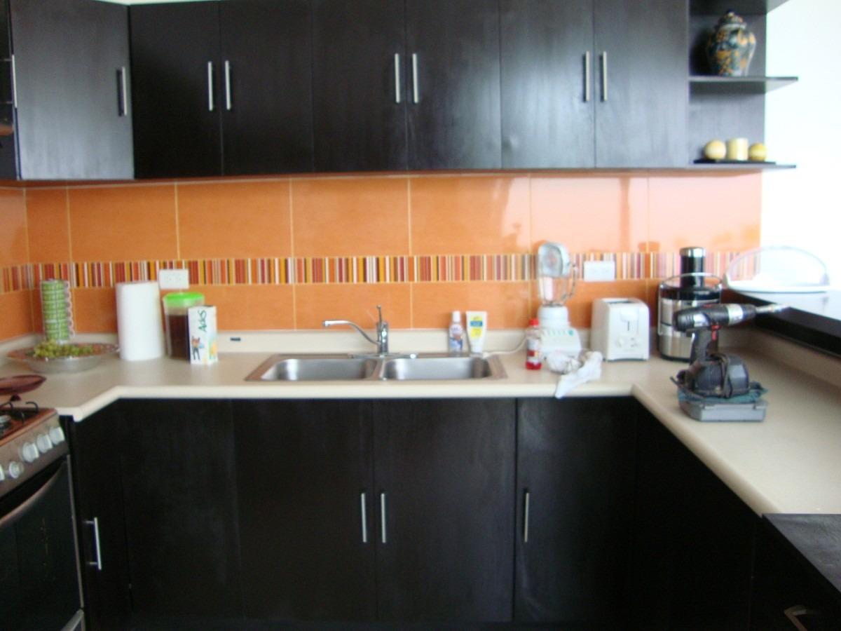 Cocina minimalista en color chocolate 2 en for Muebles minimalistas para cocina