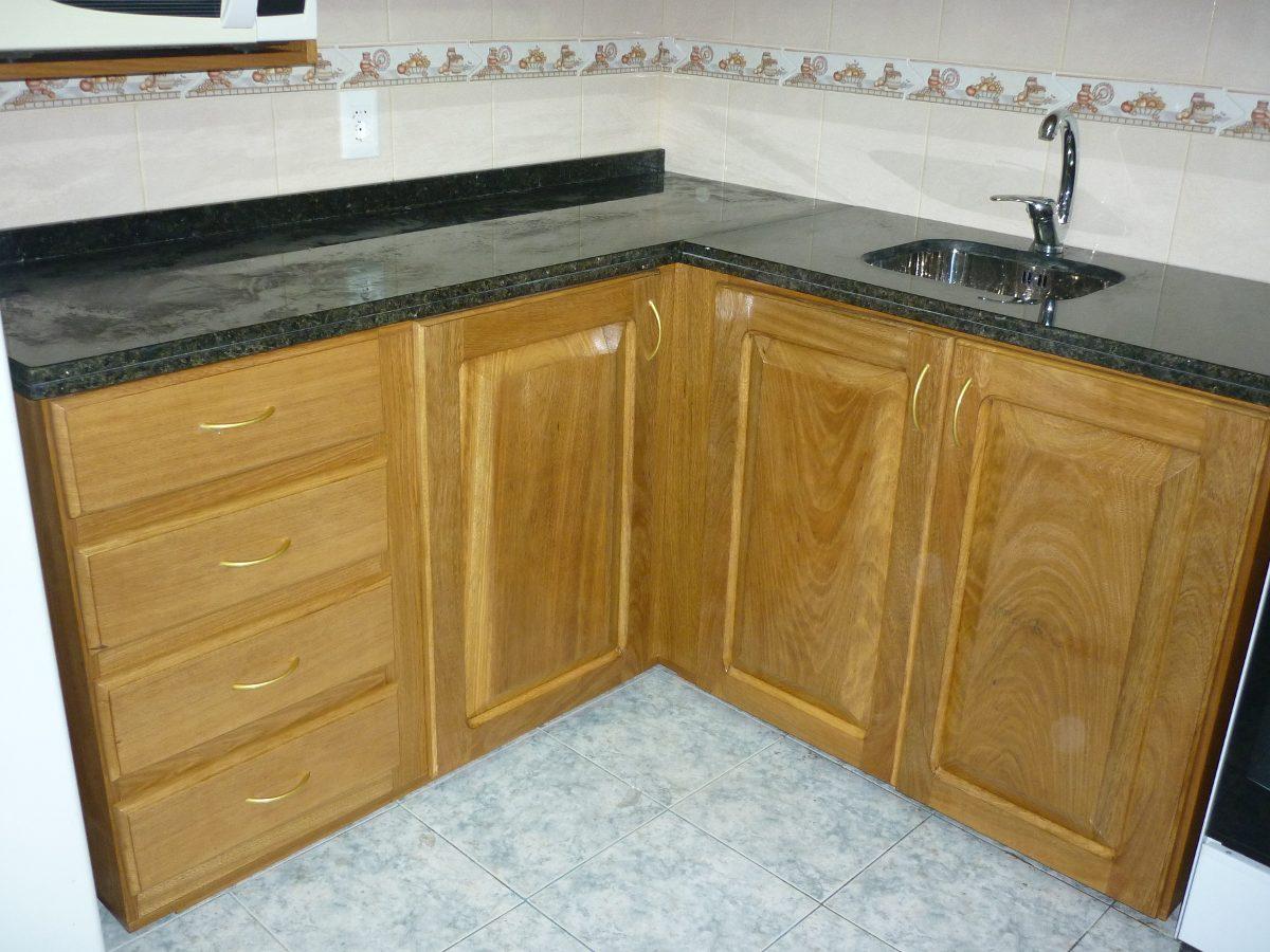 Fabricacion muebles de cocina aereos bajos granitos for Piletas de cocina uruguay