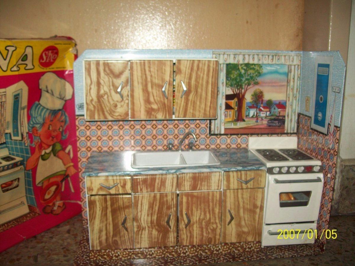 Cocina saxo antigua de juguete de los a os 60 en chapa for Cocinas de hierro antiguas