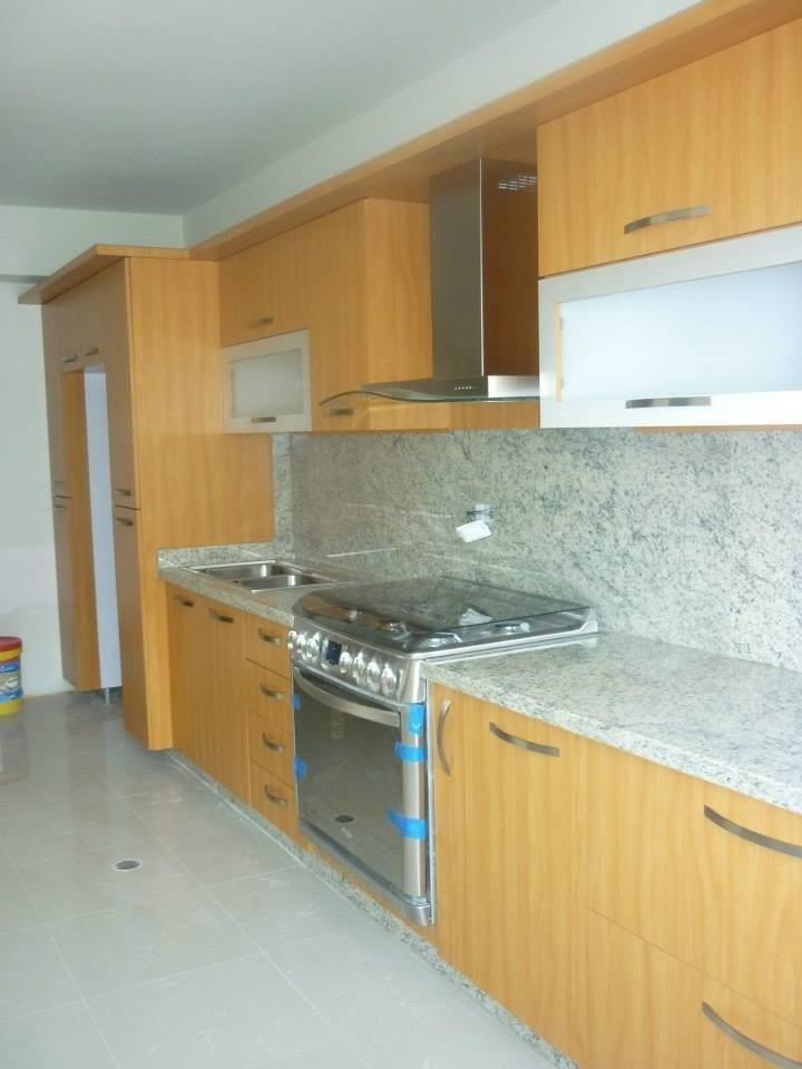 Cocinas empotradas modernas precio por metro lineal bs for Precio metro lineal encimera granito