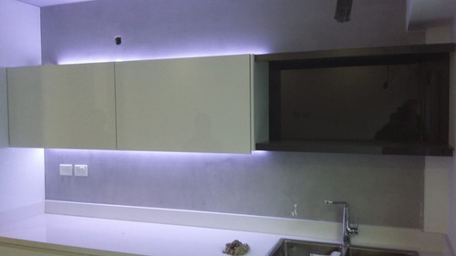 cocinas laqueadas terminacion espejo