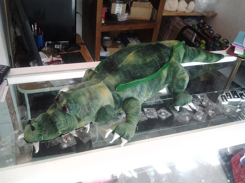 cocodrilo de peluche grande 85 centimetros