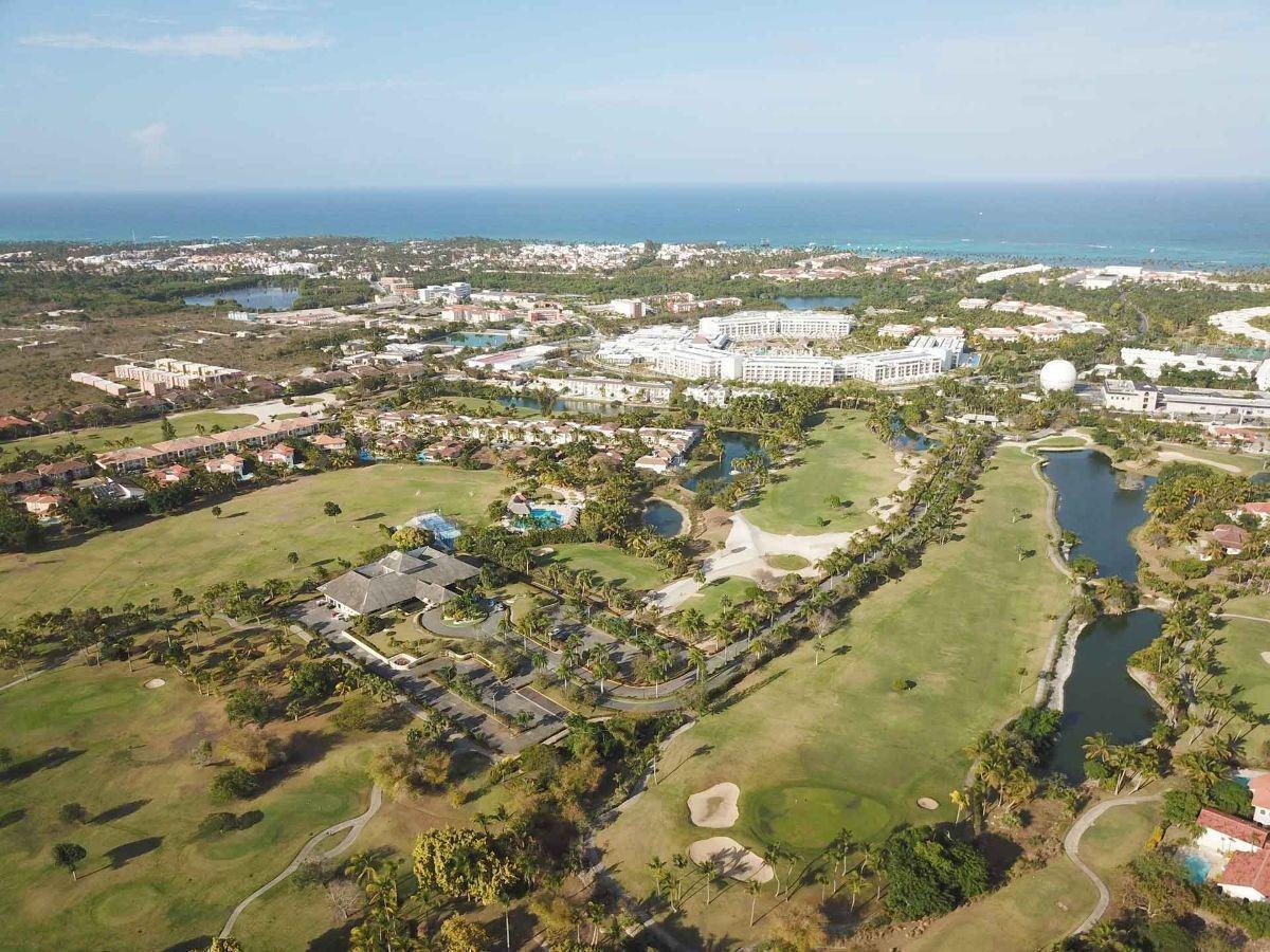cocotal villa duplex 4hb amplia  vista golf vacia solo con linea blanca
