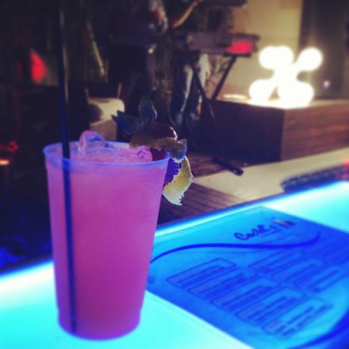 cocteles, barras móviles, bartenders.