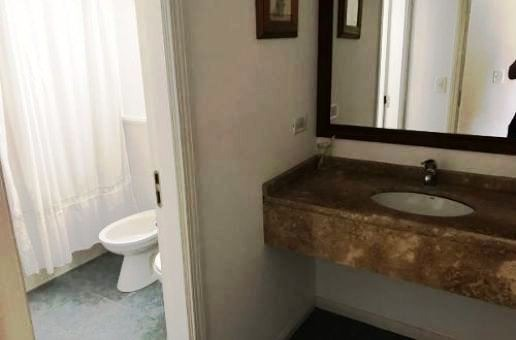 cod. 1070  casa en la herradura esquina de apero y rodeo. (