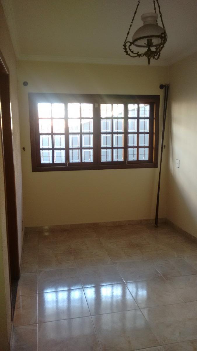 cod fl05 sobradão - 3 dormitórios - 01 suíte - churrasqueira