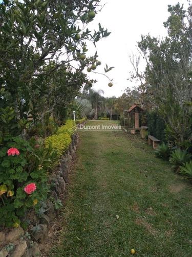cod.234 linda chácara recém construida,com ampla área verde