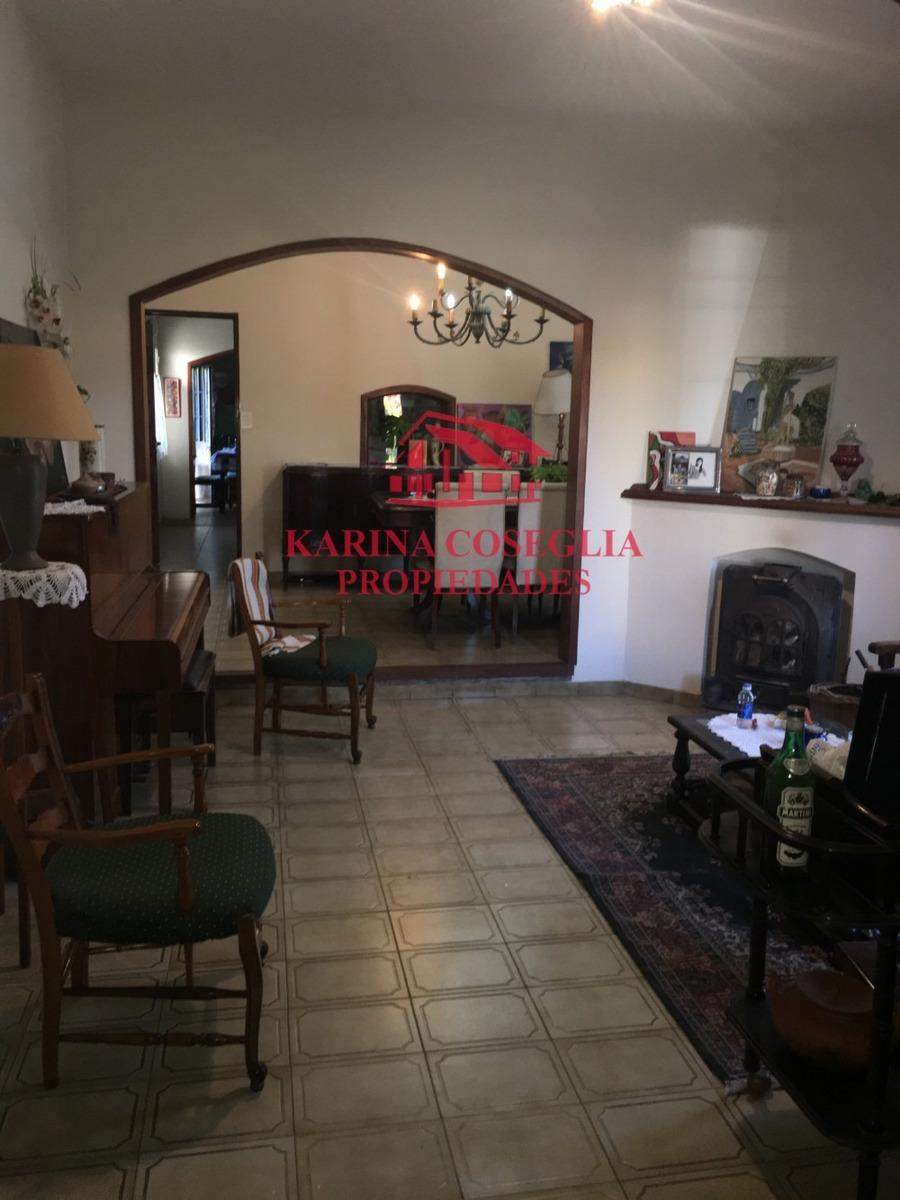 código 1955-0459 venta  venta de casa en dos plantas en bell