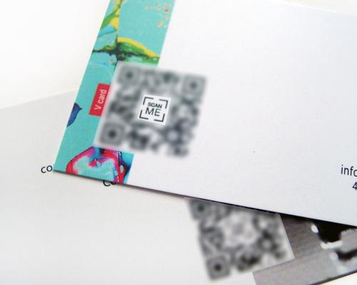 código qr con logo para tarjetas, folletos, stikers, redes