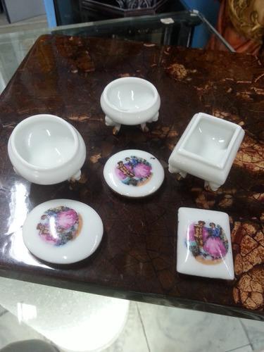 cofre antiguo japones en porcelana y oleo con laminilla