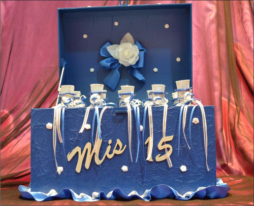 cofre ceremonia de velas 15 años con tubo pergamino