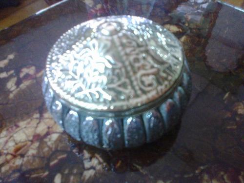 cofre indu en bronce