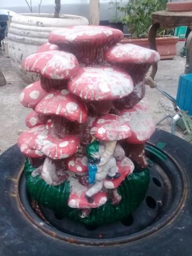 cogumelo de jardim antigo 60 anos