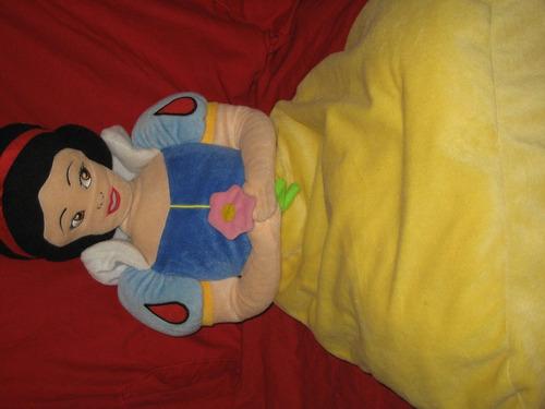 cojin o almoada del personaje de la bella durmiente