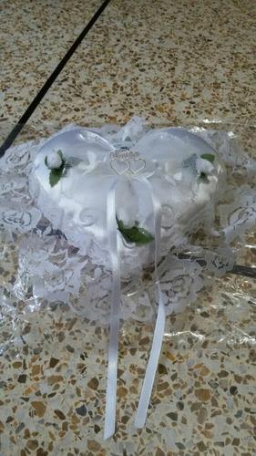 cojines y cesta para bodas matrimonio celebraciones eventos