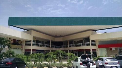 col. acapantzingo local en primer nivel en plaza comercial
