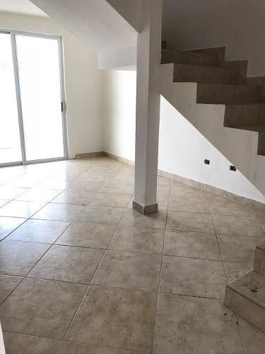 col golondrinas, apodaca, hermosa propiedad con 140 m2 const