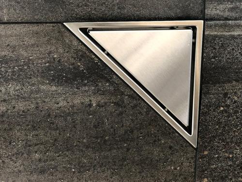 coladera de acero inoxidable triangular