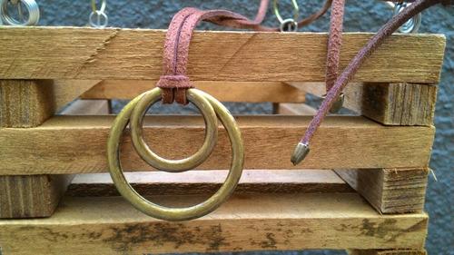 colar com arcos/argolas