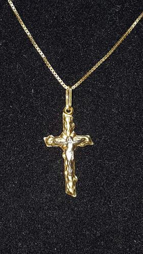 colar com crucifixo de ouro com 3,1 grama