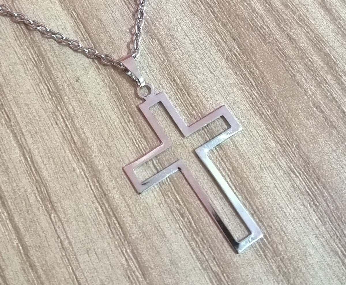 a0e7e029310cc Colar Corrente 100% Aço Inox Cruz Crucifixo Vazada - R  15,36 em ...
