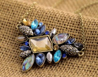 colar corrente pedra feminino dourada