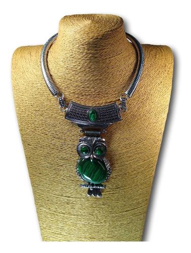 colar coruja com  pedra natural malaquita mal  ref: 9318