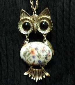 colar coruja olhos negros - dourado envelhecido origem malta