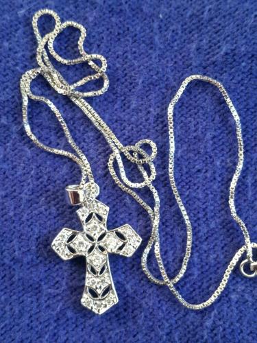 colar cruz ouro branco e diamantes