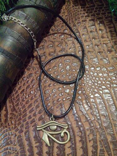 colar de couro pingente olho de hórus / místico p/ proteção