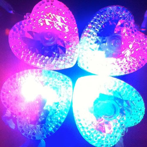 colar de led pisca coração para festas - kit 10 unidades