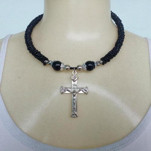 colar de miçangas com crucifixo ref: 5047