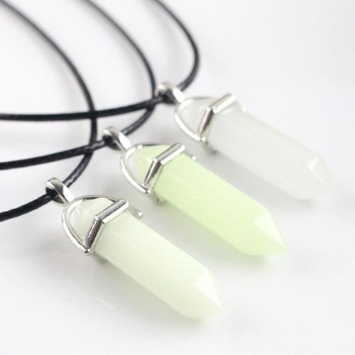 colar de pedra fluorescente ref: 9504(25 coração + 25 ponta)