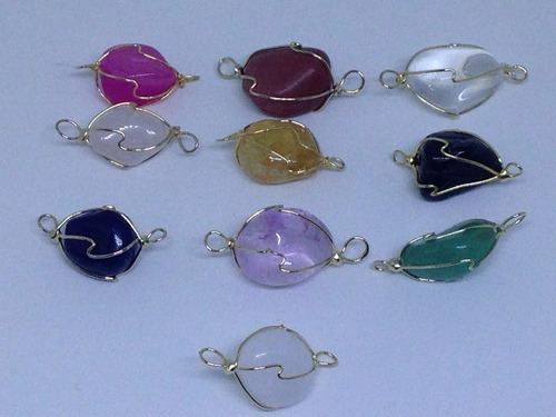 colar e pulseira em capim dourado com pedra onix