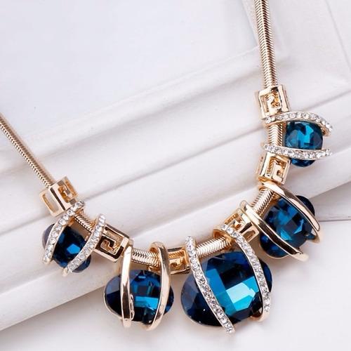 colar ellipse geométrico azul