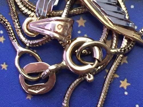 colar em ouro com pingente 5 gr, 51 cm.