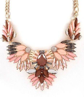 colar estilo shourouk com cristais e resina