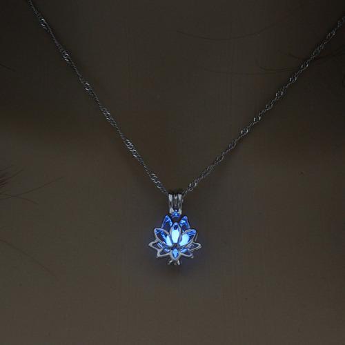 colar feminino corrente flor de lótus que brilha no escuro