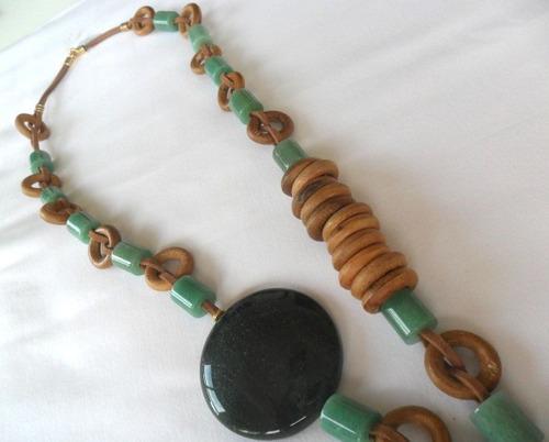 colar feminino em pedra natural